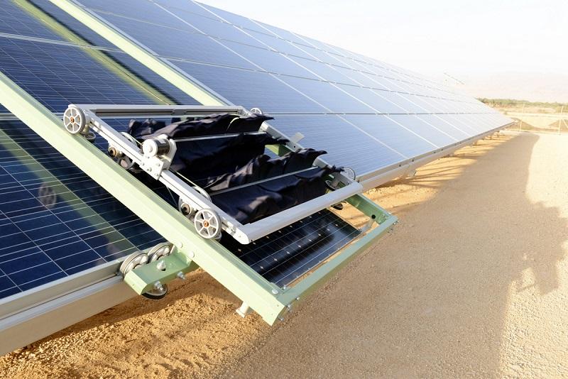 Robots limpiadores de paneles solares